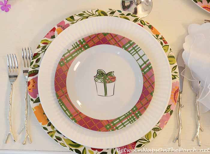 Kim Parker Spode Emma's Garland Chargers & Plaid Present Salad Plates 1