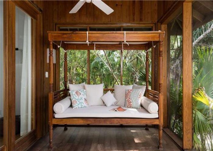 Christie Brinkley Lucky Beach House Porch