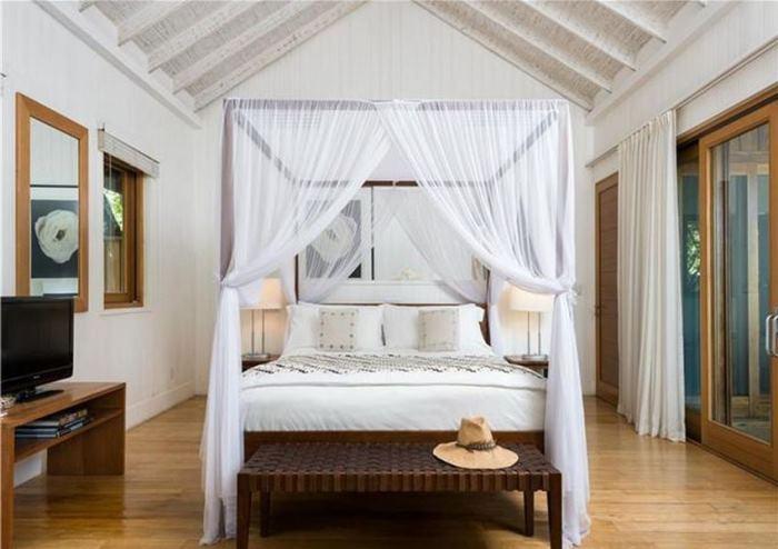 Christie Brinkley's Beach House Bedroom