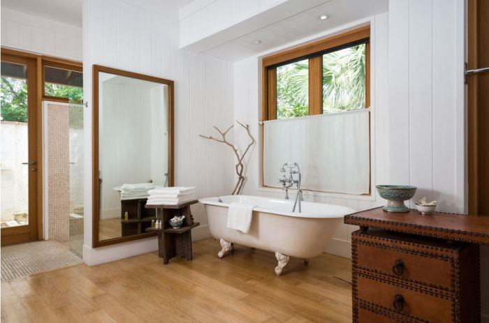Christie Brinkley's Master Bath in Lucky House Beach Home in Parrot Cay