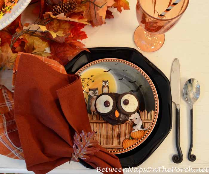 David Carter Brown Pumpkin Hollow Halloween Plates 1