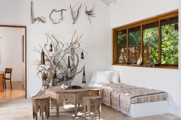 Day Bed in Lucky House Christie Brinkley's Beach Home