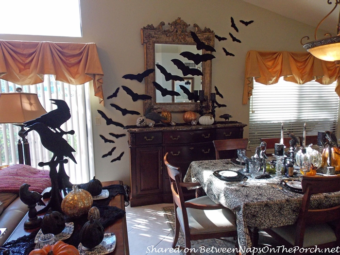 halloween decorations with bats - Raven Halloween Decorations