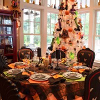 Halloween Table Setting Tablescape