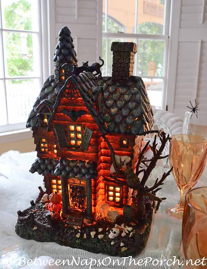 Lighted Haunted House Centerpiece