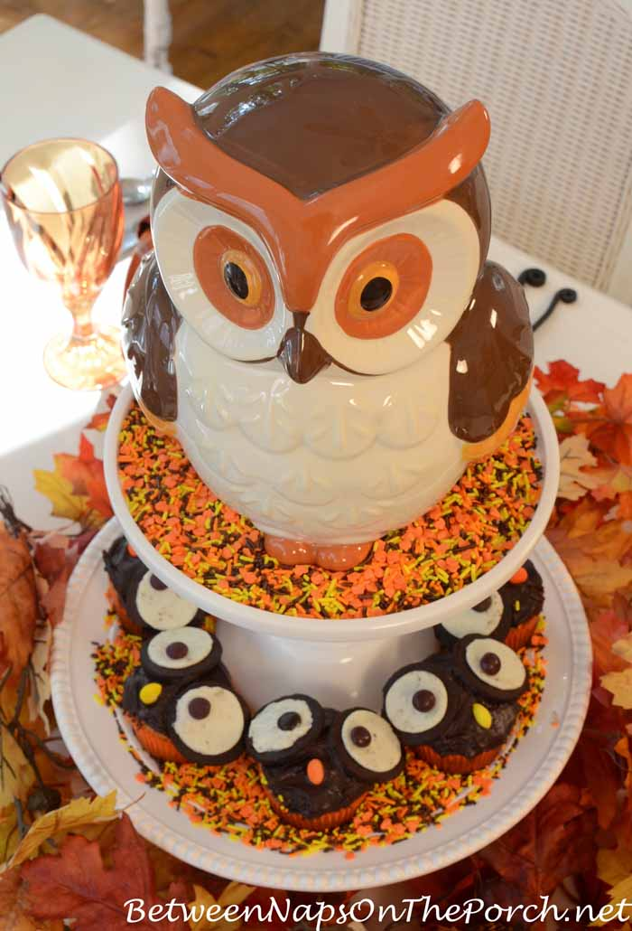 Owl Cupcakes For Halloween Table Setting