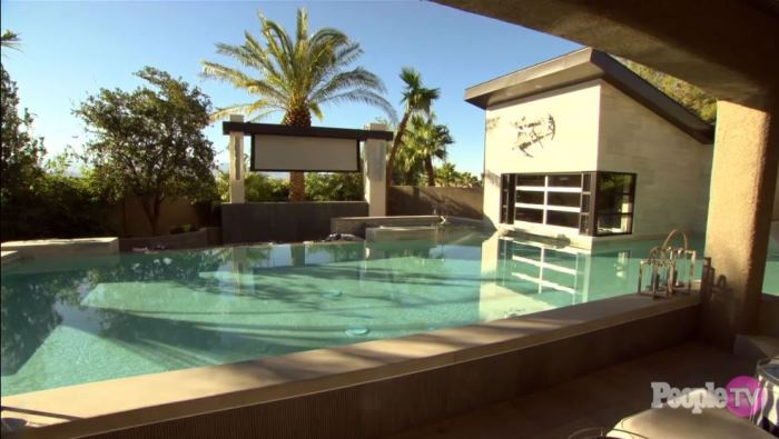 Property Brothers Jonathan Drew Scott's Home Pool in Las Vegas