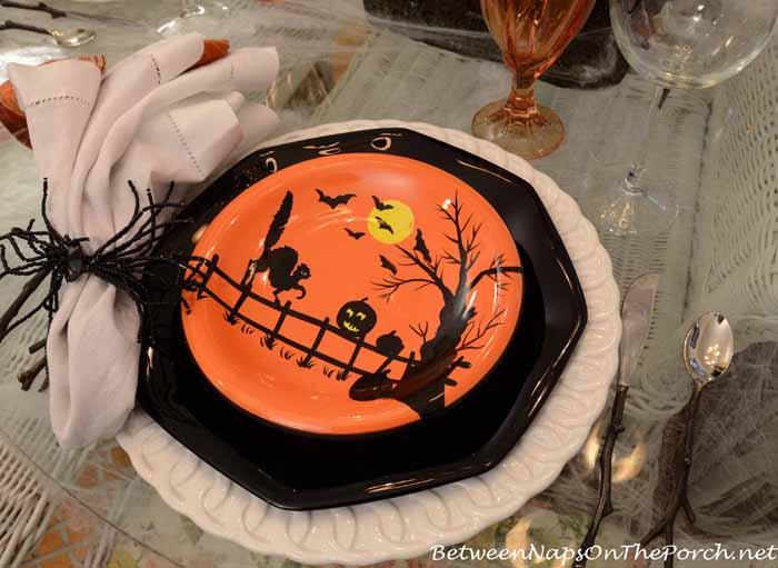 Spider Napkin Rings for Halloween