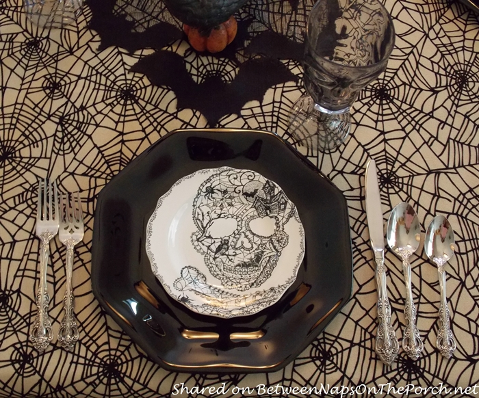 Spider Tablecloth and Skull Plates