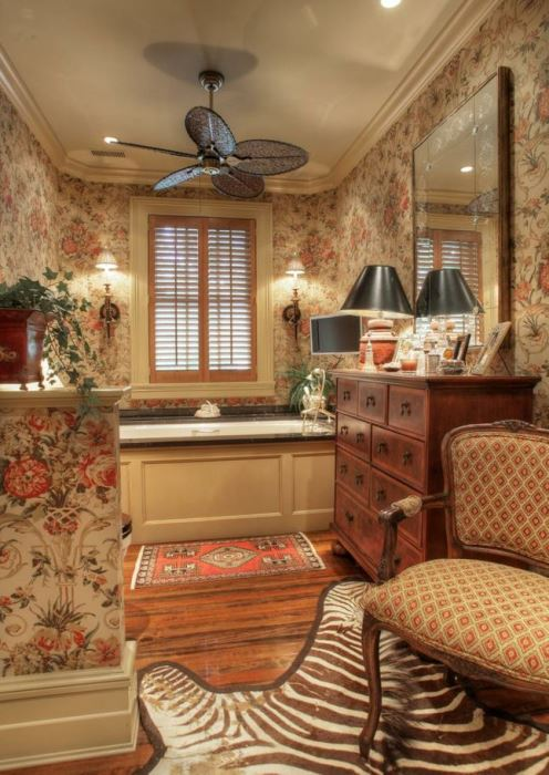 Tommy Dosey Tall Oaks Home Bathroom