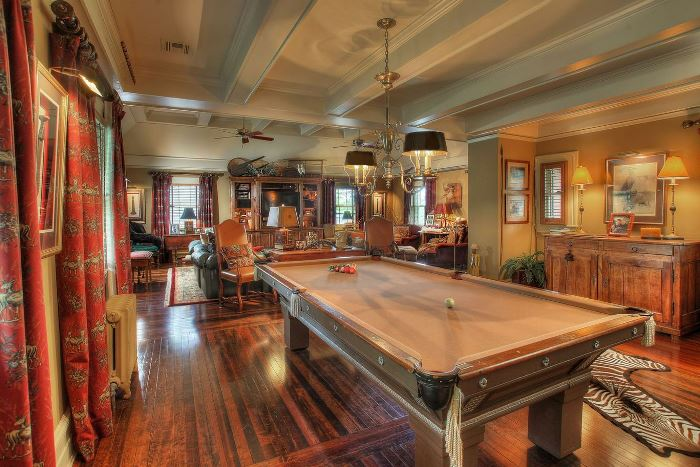 Tommy Dosey Tall Oaks Home Billard Room