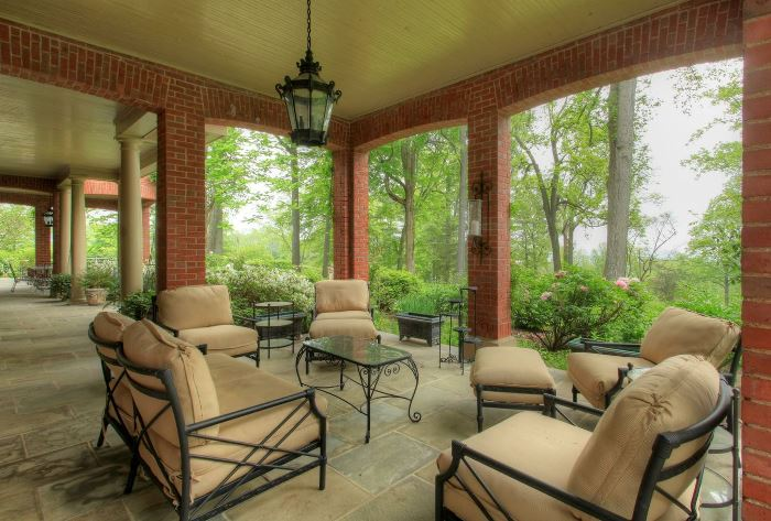 Tommy Dosey Tall Oaks Porch