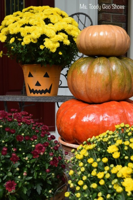 Pumpkin Topiary for Fall Thanksgiving Porch Decoration