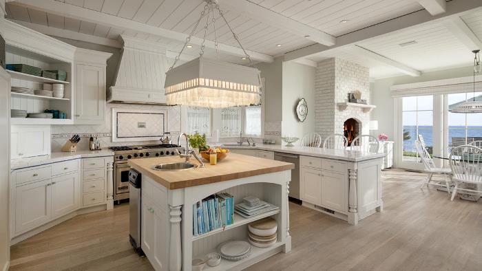 A beach house that rivals the something 39 s gotta give beach home Kitchen design center virginia beach
