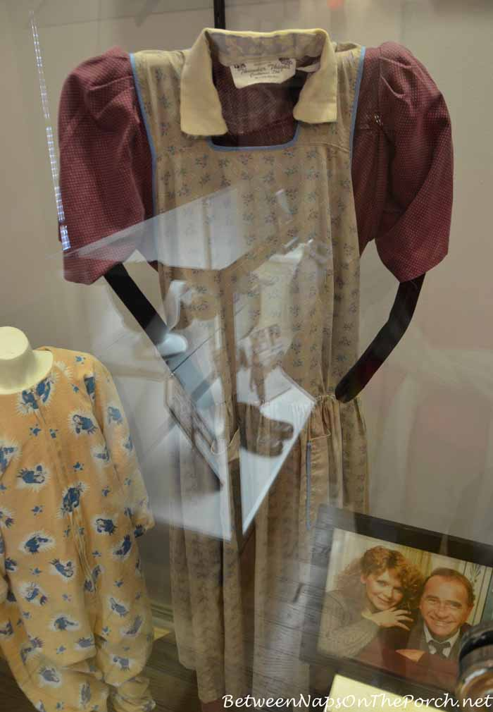 Mrs. Parker's dress from movie, A Christmas Story