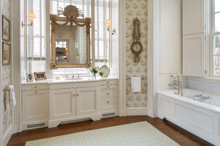 White Bath With Green Wallpaper