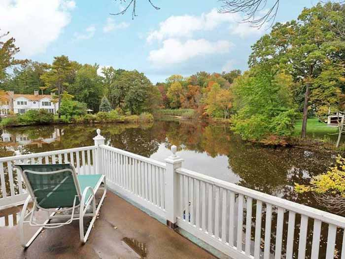 Cottage Deck for Entertaining Waterside