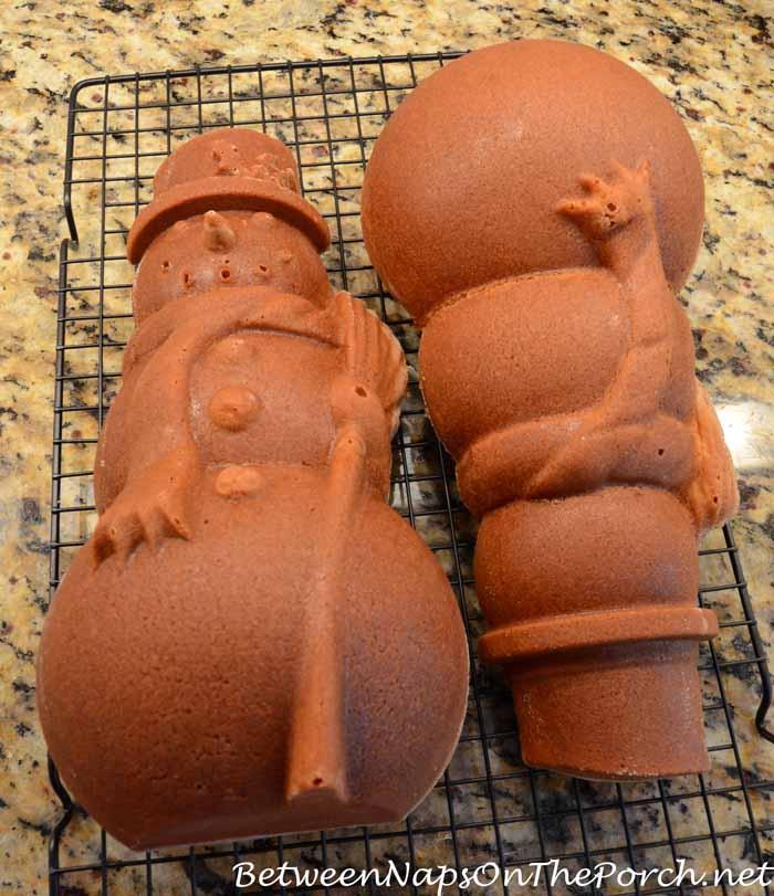 Make a Snowman Spice Cake 12