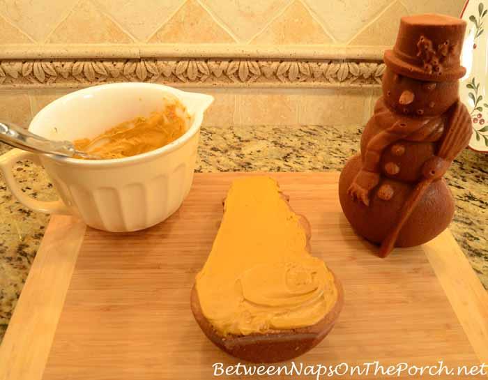 Make a Snowman Spice Cake 18