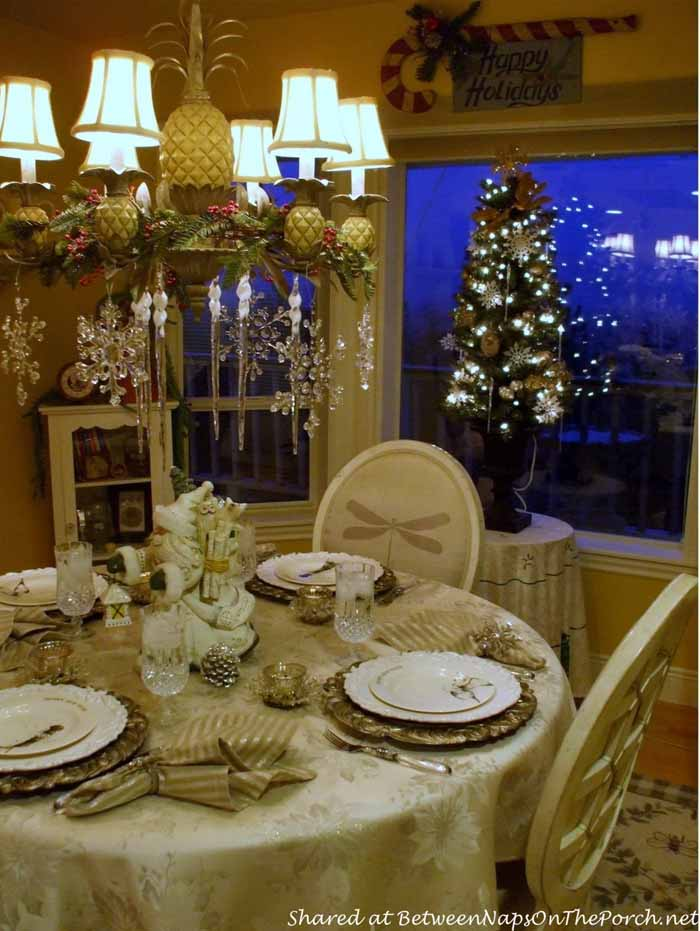 New Year's Table Setting Tablescape with Champagne Plates 01