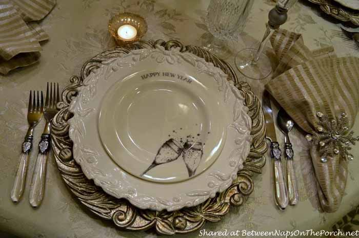 New Year's Table Setting Tablescape with Champagne Plates 10