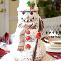 Snowman Spice Cake With Nordic Ware Cake Pan