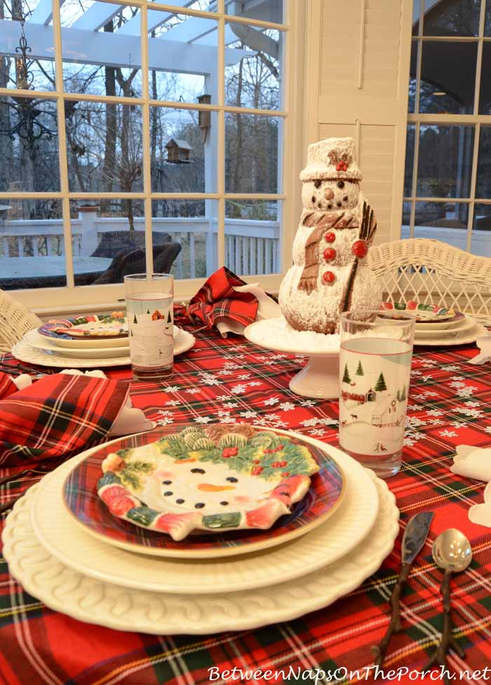 Snowman Table Setting With Snowman Spice Cake Centerpiece