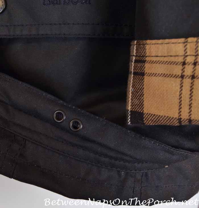 Barbour Beadnell Wax Jacket With Bellows Pockets and Drainage Eyelets