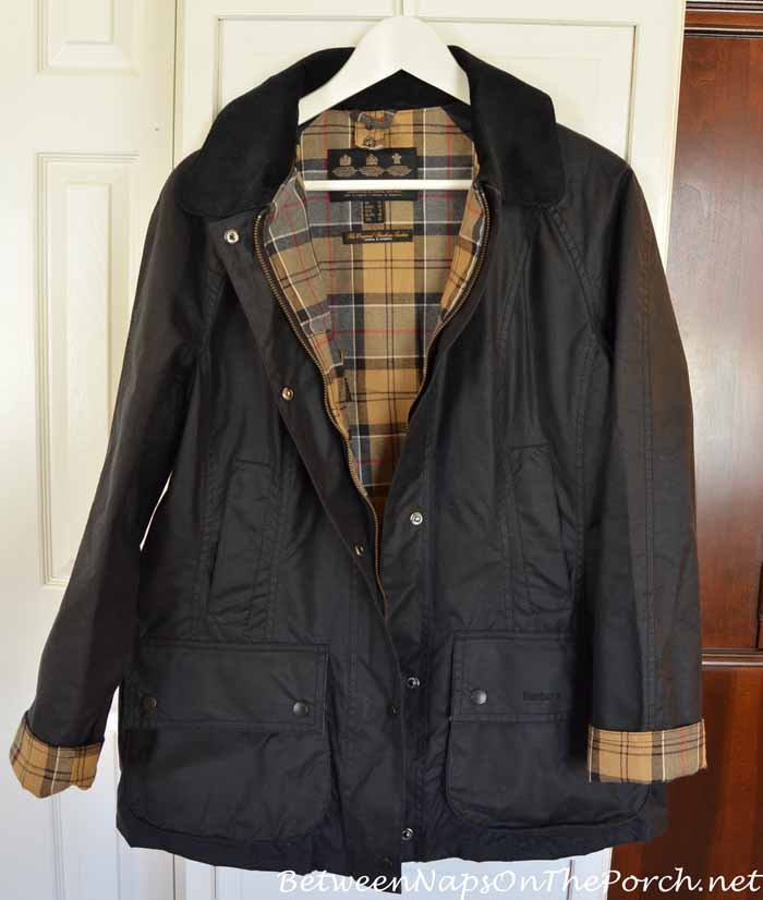 Barbour Beadnell Wax Jacket in Navy & Barbour Tartan Lining