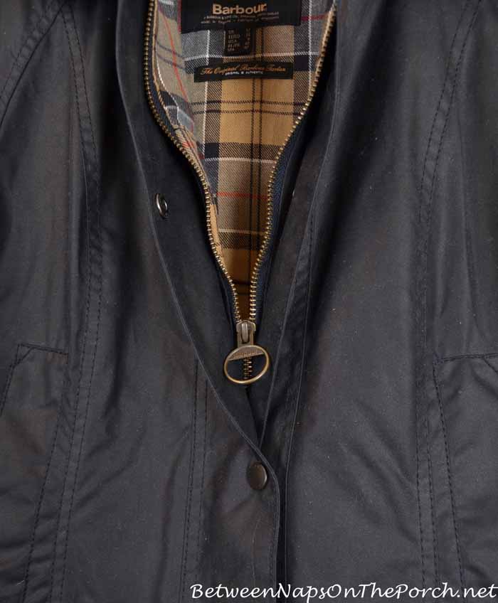 Barbour Beadnell Wax Jacket with Two-Way Zipper and Classic Pull