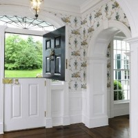 Wallpaper In The Entry Foyer: Yay or Nay?