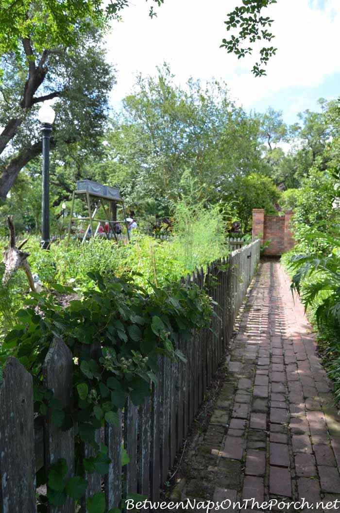 Houmas House Plantation Gardens 13