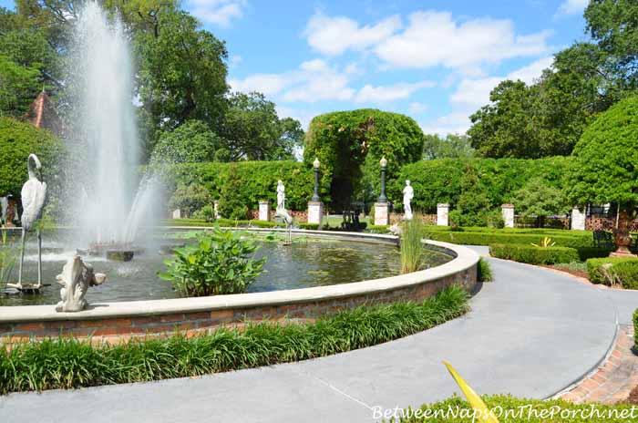 Houmas House Plantation Gardens 30