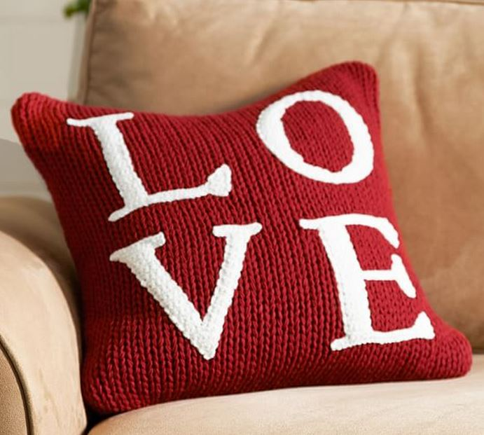 Trend Love Pillow
