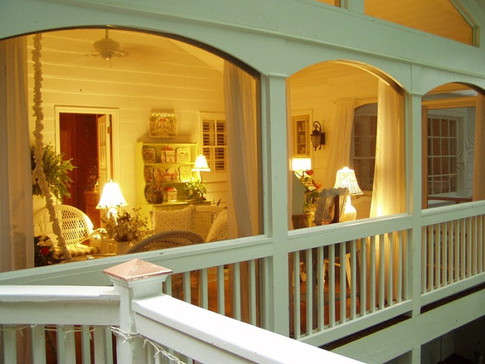 Screened-In-Porch-lit-up-at-night