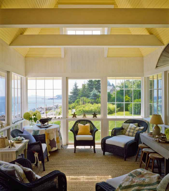 Beach cottage with a fabulous 3 season screened porch for 3 season porch
