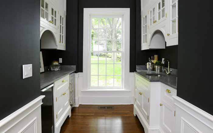 Black and White Butler's Pantry