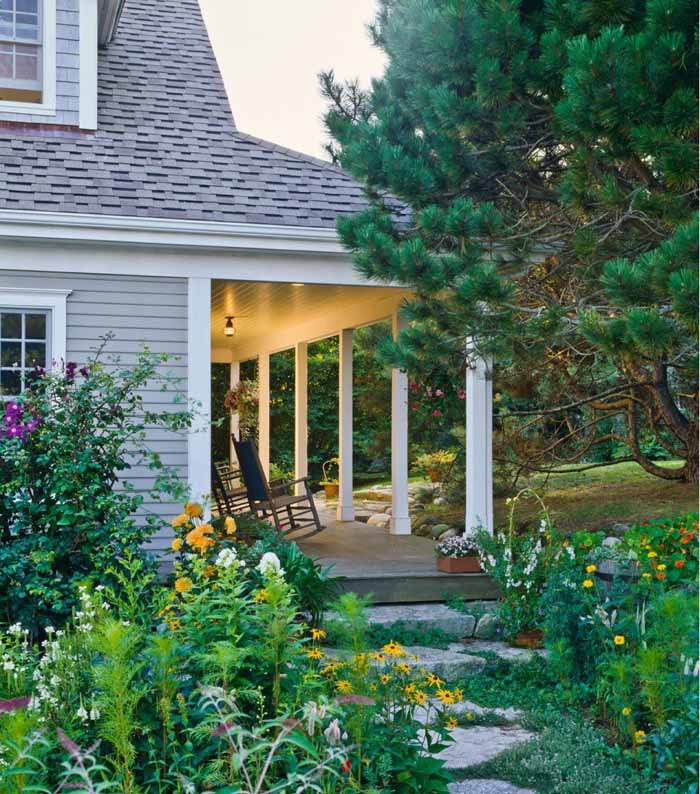 9 Cottage Style Garden Ideas: Beach Cottage With A Fabulous 3-Season Screened Porch