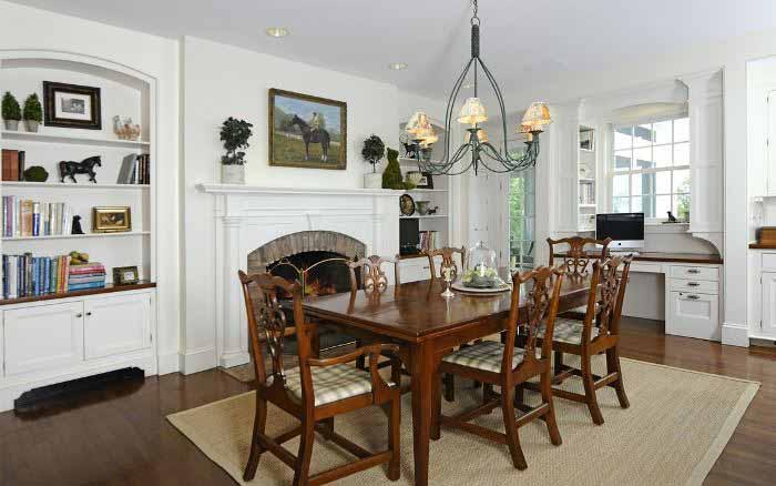 Fireplace in breakfast room & kitchen