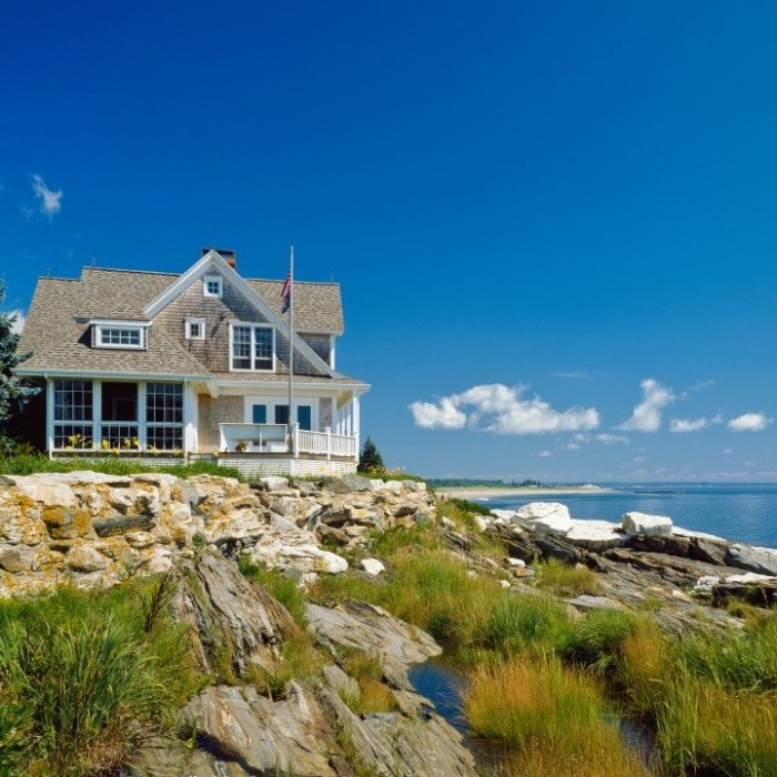 Beach Cottage With A Fabulous 3 Season Screened Porch Between Naps