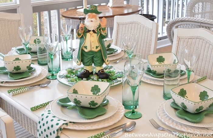 St patrick 39 s day table setting and decorations for St patricks day decorations for the home