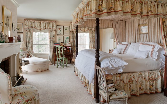 Blaine Trump's Canopy Bed and Master Bedroom