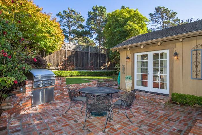 Carmel-by-the-Sea Cottage for Sale 04