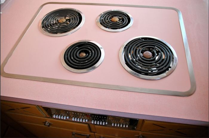 Never Used 1956 Kitchen With GE Appliances 14