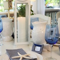 Navy and White: Great for a Nautical Themed Table Setting