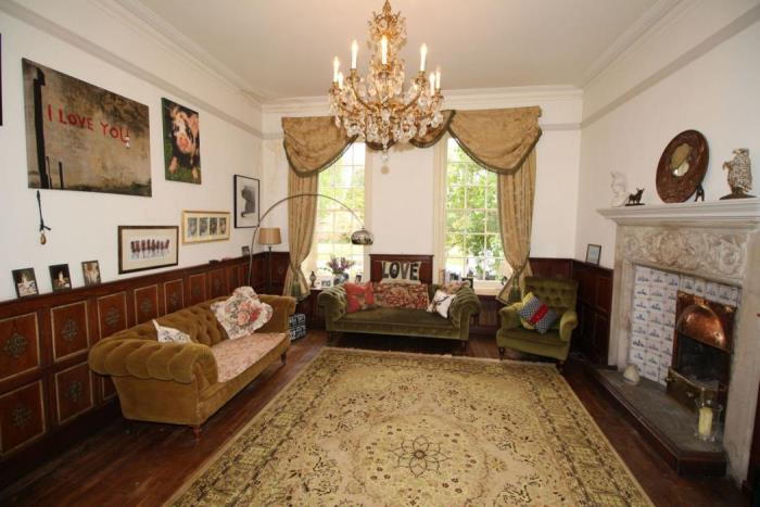 Byfleet Manor for Sale, Home of Lady Violet