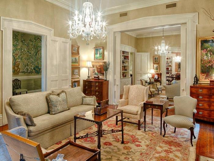 Tour an historic savannah row house on beautiful monterey - Georgia furniture interiors savannah ga ...