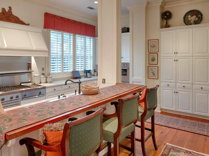 Historic Savannah Row House For Sale 04