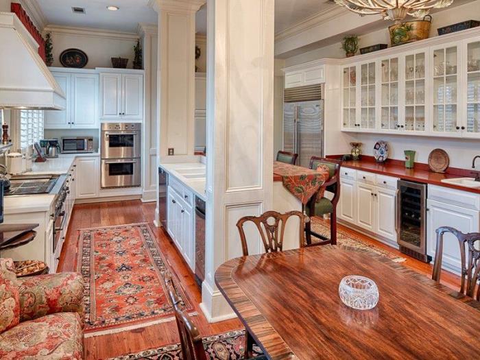 Historic Savannah Row House For Sale 07