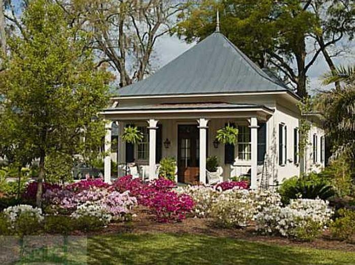 Paula Deen Guest Cottage